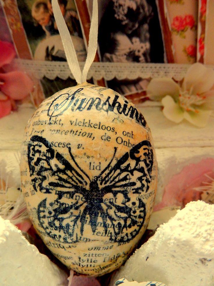 ... Het Valkennest: Pasen/Lente : Recyclen van een cacao doos, plastic eieren en een eierdoos.