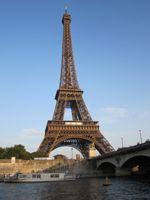 Reis met de trein naar Parijs voor een romantisch weekendje weg of gewoon snel en zakelijk dezelfde dag op en neer met de Thalys. Route, Treintickets Parijs en veel meer...