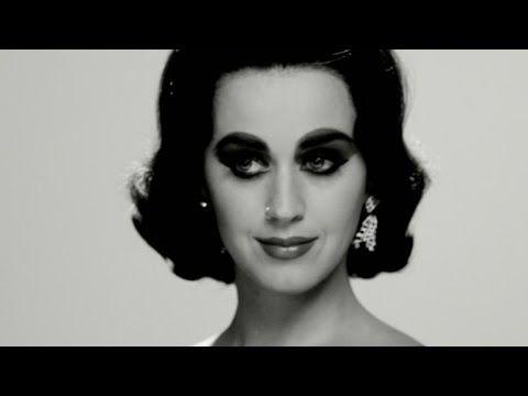 Confira os bastidores da sessão de fotos de Katy Perry para a Harper's Bazaar #Cantora, #Fotos, #Hollywood, #KatyPerry, #Vídeo http://popzone.tv/confira-os-bastidores-da-sessao-de-fotos-de-katy-perry-para-a-harpers-bazaar/