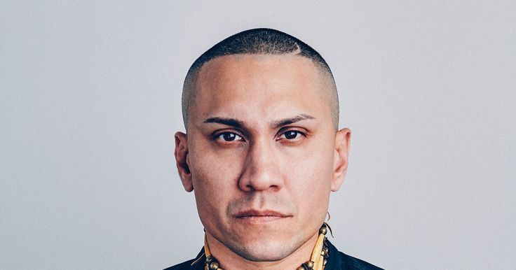 """""""This video speaks to the isolation of that moment as well as the hope and promise of tomorrow,"""" says the musician. THE member of Black-eyed peas suffered from cáncer. See the lyrics of this song THE FIGHT"""
