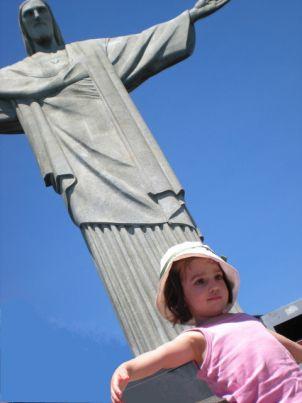 """""""Cristo Redentor….Braços abertos sobre a Guanabara…"""" Tom Jobim O Rioé conhecido por suas praias e atrações naturais mas ainda pouco divulgado como destino de viagens em família, por is…"""