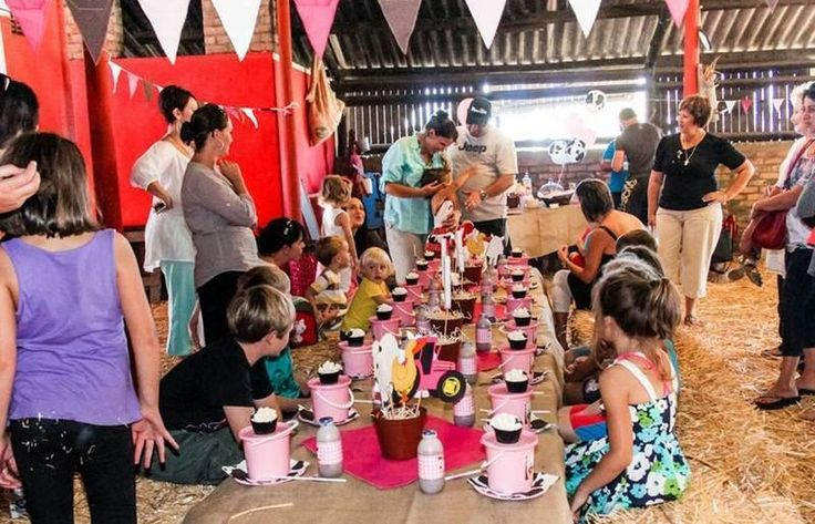Lat Wai Farm is only 30km from the CBD in Joostenberg Vlakte. This is the perfect venue to host Kiddies Parties as they have just about anything a kid could ever want including: a barn (where parties are set up), a jungle gym, tractor & pony rides, animal interactions, swimming, table tennis, snooker and DSTV!