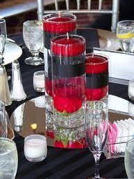 Bruiloft decoratie in de kleur rood voor een rood bruiloft thema