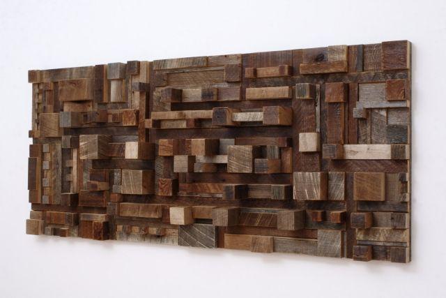 Moderne Wandkunst aus wiederverwertetem Holz bringt die Natur ins Haus