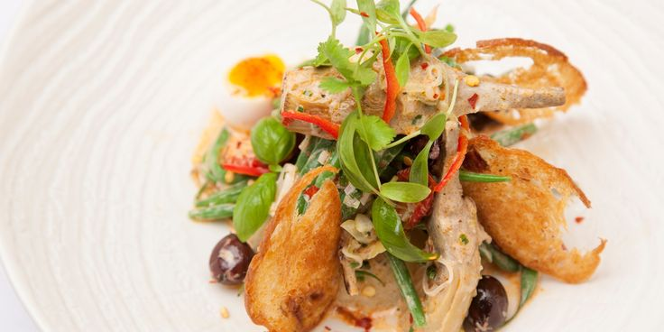 Chef Eric Chavot creates a simple and flavoursome salad perfect to serve year round.