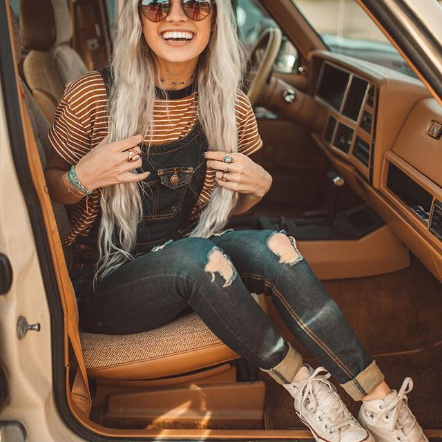Road trip, anyone?   Link in bio to shop Pura Vida  Model: @dreaming_outloud   Photographer: @bryce__miller   #puravidabracelets #livefree #roadtrip #adventure