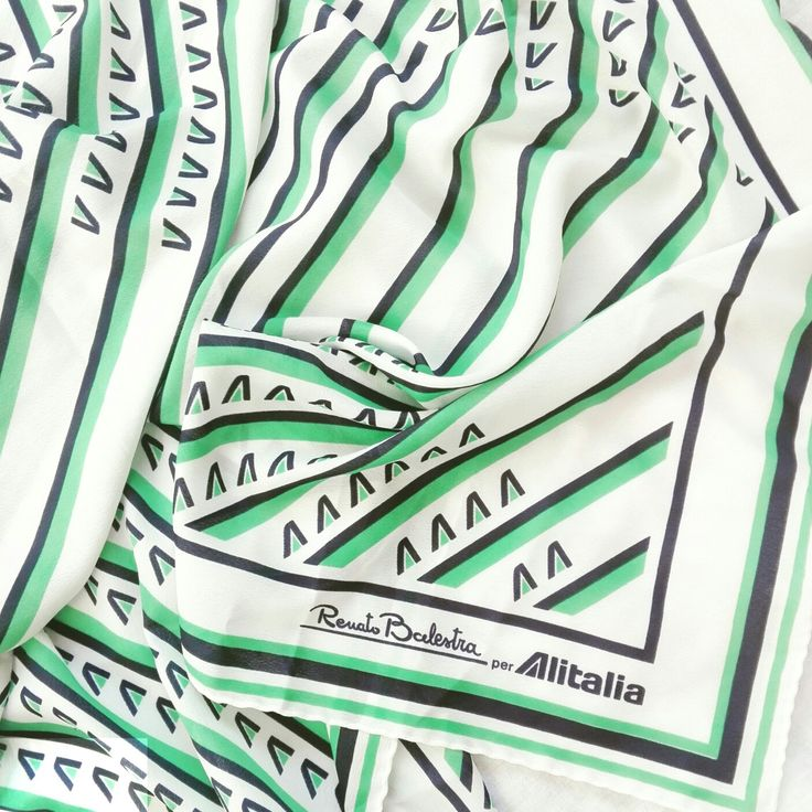 RenatoBalestra per #Alitalia 1986 🛫🛫🛫🛫🛫🛫🛫🛫🛫 #moda #museodellamoda #fashionhistory #historyoffashion #storiadellamoda #igersitalia #scarf #foulard #designer #design