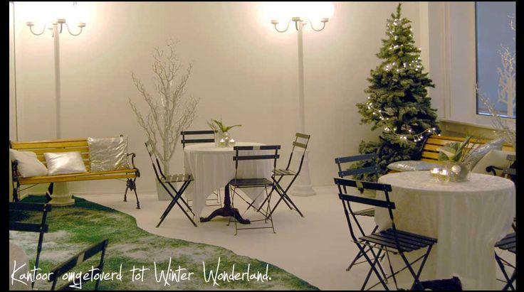 Winter wonderland personeelsfeest | Kantoor ruimte omgetoverd, winter, wonderland, kerst, feest, kerstboom, sneeuw, aankleding, decoratie ,  Snow, christmas, party, decoration, christmas tree.