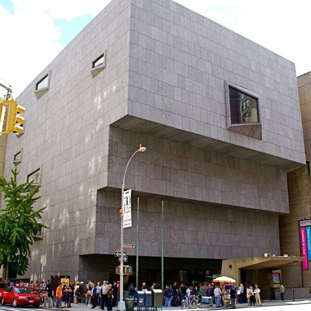 """dicasefuradasny: """"As obras de arte moderna e contemporânea do The Metropolitan Museum (MET) saem do lugar onde sempre estiveram na 5ª Avenida para ficar a partir desta semana no edifício Breuer da Avenida Madison na esquina com a rua 75! http://ift.tt/1ATW2eY  #novayork #newyork #ny #nyc #met #manhattan #iloveny #metmuseum #dicasny"""""""