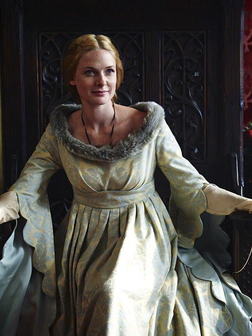 Rebecca Ferguson as Elizabeth Woodville in The White Queen (TV Series, 2013). [x]