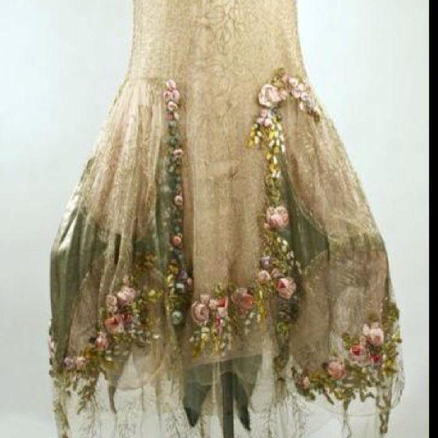 Woodland fairy wedding dress dresses trend fairies for Woodland fairy wedding dress
