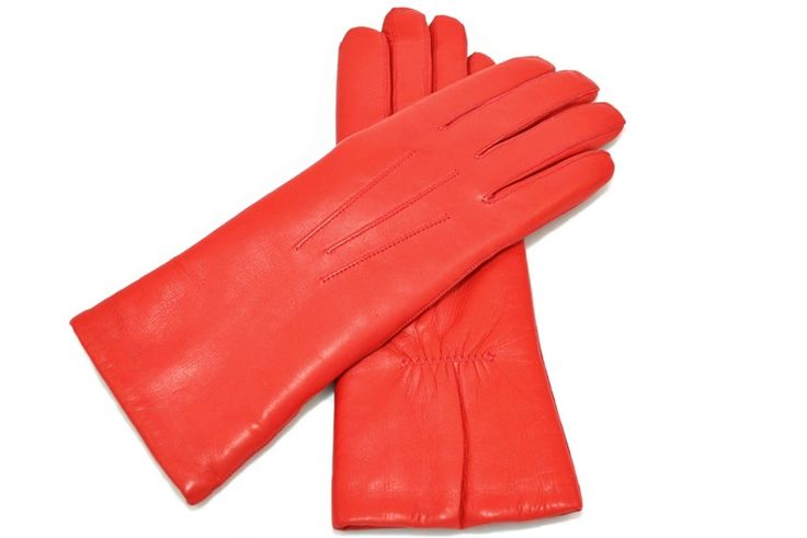 Leather gloves lined with lambskin fur from alpagloves.com Code: 2-SA2-2-6 RED
