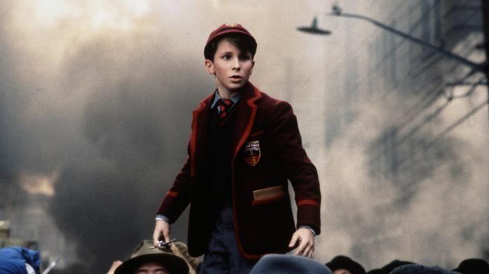 Film Empire of the Sun - Jim Menjadi Budak dan Kerja Rodi Saat Perang Dunia…