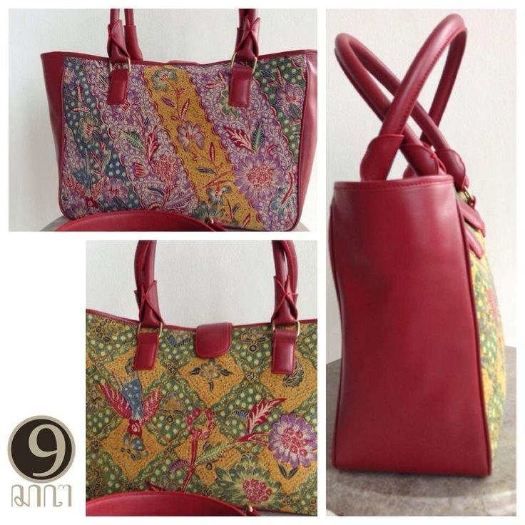 Drupadi Vintage style medium with batik Tjoa Siang Hing