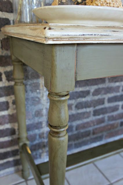 Color Old White on top, mixture of Olive and French Linen on the bottom...Chalk Paint® by Annie Sloan