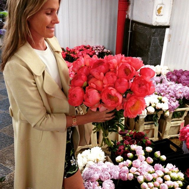 """""""Pretty Monday am at the Dutch Flower Market. One of my favorite places in NYC"""""""
