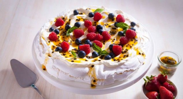 De-lish! Can you believe this amazing Pavlova has no egg whites?  #delicious #dessert #recipe