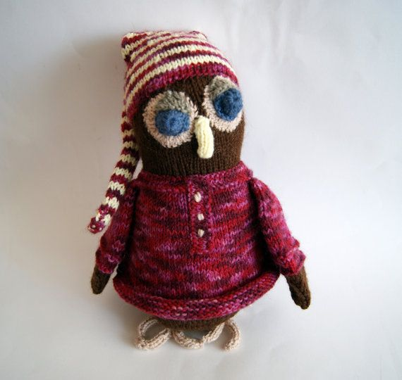 Knitted owl stuffed toy