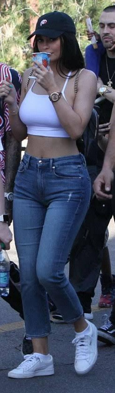 Kylie Jenner in Backpack – Gucci  Jeans – Good American  Hat – Kylie  Shoes – Puma