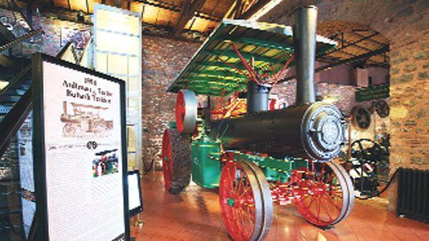 100'lük traktör Koç Müzesi'nde