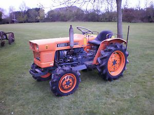 KUBOTA LARGE 4WD COMPACT TRACTOR