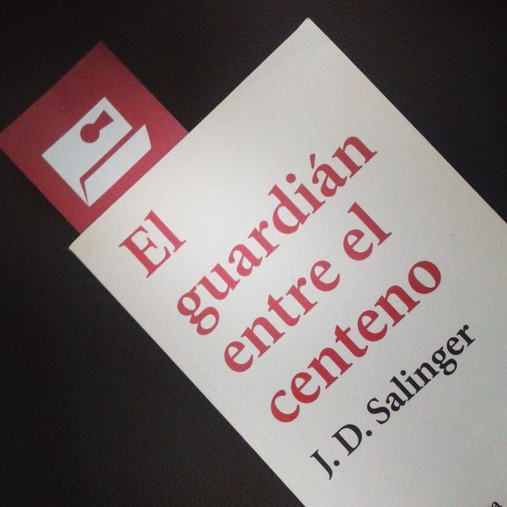 """Para el #DesafíoOpenbook de """"Un libro que haya sido prohibido en algún momento"""" elegimos  El guardián entre el centeno - A   ¡Tú también únete a este desafío de lectura rápida!"""