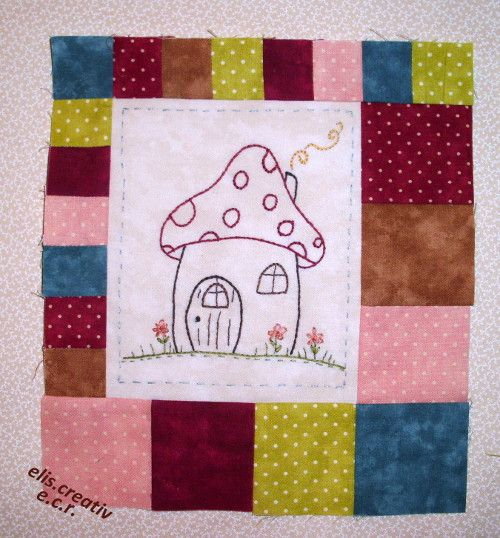 Check out Diana's blog and download the free houses. Started in March 2013.   Quiltecke, der Blog - Patchwork mit Freude
