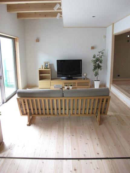 和風モダンスタイル!格子のラインがきれいなソファとリビング空間!