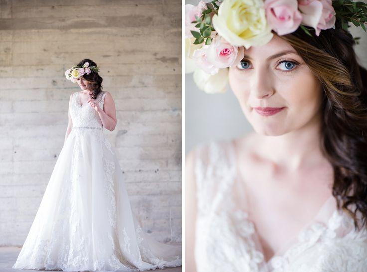 old-mill-bridal-shoot-bourbon-rose-floral-design-sarah-seven-eryn-shea-photography-ontario-bride-_0013