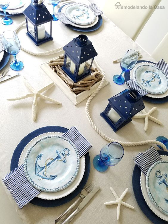 A coastal tablescape that makes me happy. :) Lovely touches.