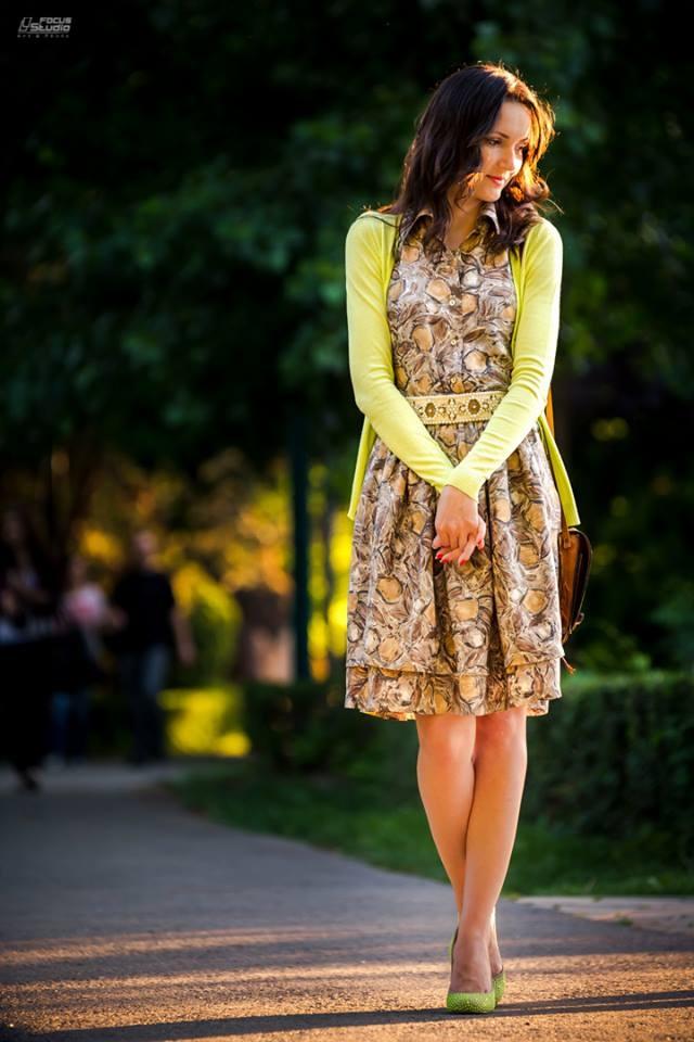 Santa Lolla shoes, Stefanel silk dress, Zara belt