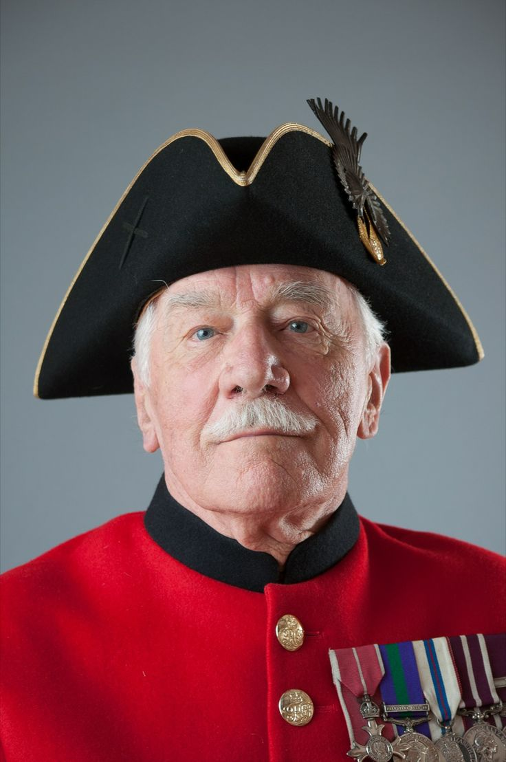 how to become a chelsea pensioner