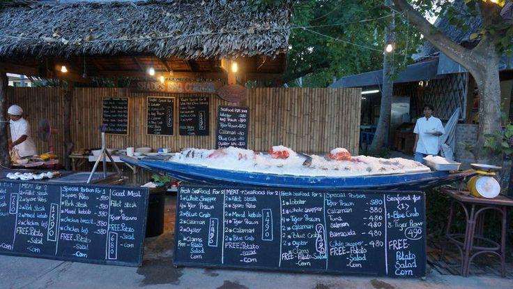 An outdoor restaurant in Fisherman's Village.
