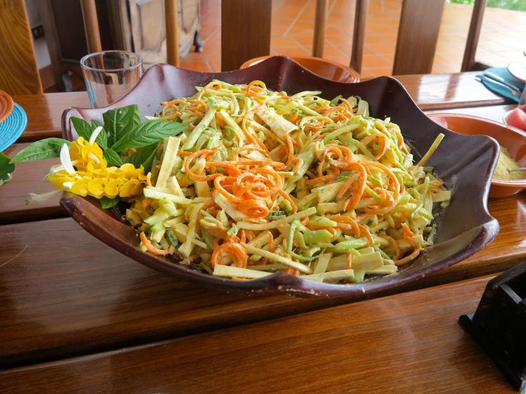 Tonight´s Dinner! Raw Pad Thai; Spiralized Zucchini, Ceviche, Carrot, Palmito and a Coconut Ginger Dressing. Delish! #inspo #inspiration #yogaretreat #costarica #manuelantonio #epicliving #epicself #consciouseating #raw #vegan #lowfat #nutritious #nourishyourbody #realfood #optimumhealth #mind #body #soul #balance