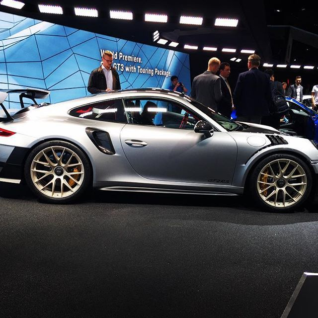 Porsche 911GT2 RS 1.Press Day IAA Frankfurt #porsche #porsche911 #911 #911gt2rs #porsche911gt2 #porscheclub #porsches #picoftheday #pictureoftheday #pic #pictures #photo #photooftheday #photography #blombergmachines #supercar #supercars #hypercar #hypercars #iaa2017 #iaa #gt2 #gt2rs #nordschleife #weissach