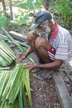 Ihamahu Ihamahu ligt met een aantal andere dorpen op het deel van het eiland Saparua dat Hatawano wordt genoemd. De ongeveer 1300 inwoners leven van visserij,de opbrengsten van het bosen...