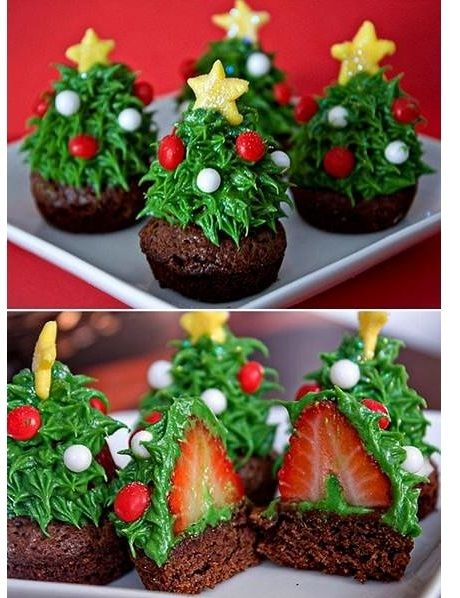 Christmas trees cupcakes...so easy, I could even do this! The trick is that strawberry!