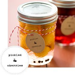 Printable Canning Labels from love & olive oil     http://www.loveandoliveoil.com/2012/08/free-printable-canning-labels-for-2012.html#