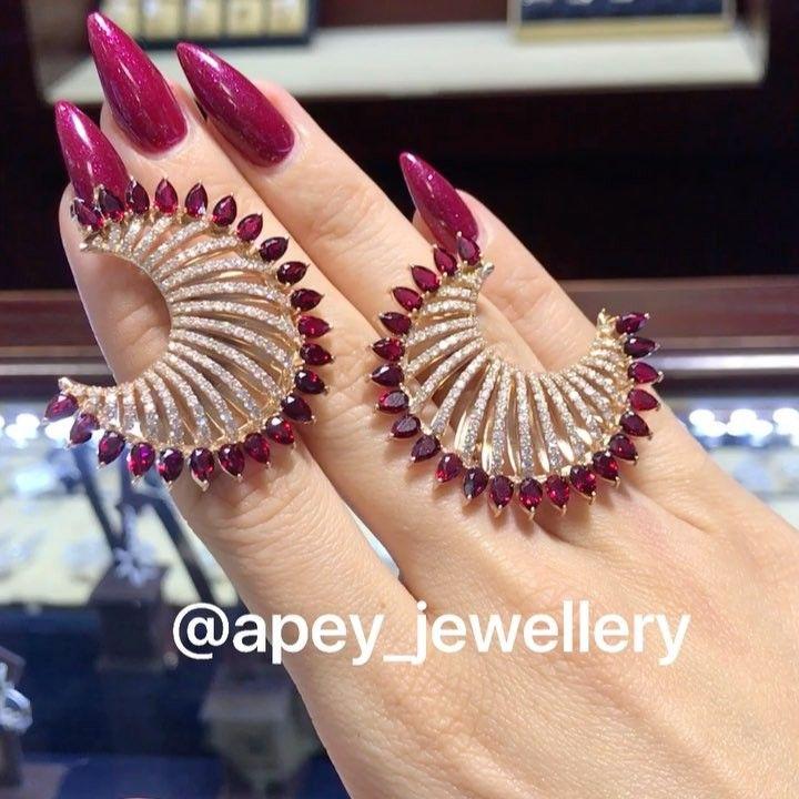 """285 Likes, 6 Comments - @apey_jewellery on Instagram: """"❄️HeeeYYeni ilin Gelishine Sayili GûnleeR QaldiBu Yeni ilde Hediyyesiz Bir Kimse…"""""""