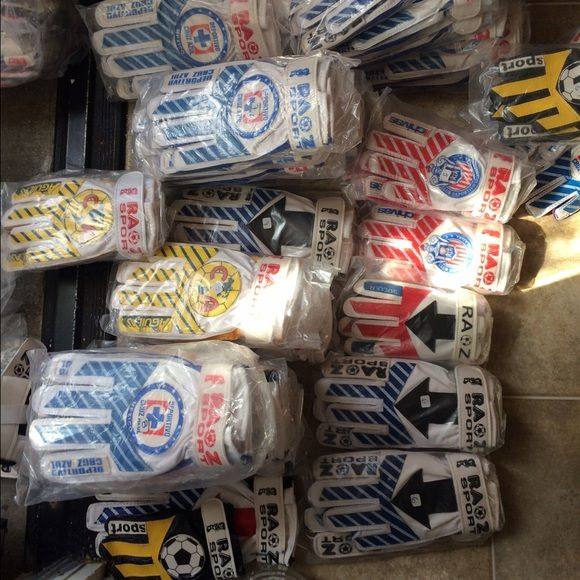 Goalie gloves for small kids Different goalie gloves for kids approximately 4 to 8. Brand new Other