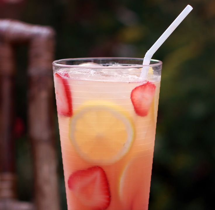 Strawberry moscato lemonade. Yes, please!
