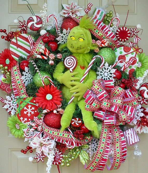 The Grinch Christmas Wreath, what a great idea!