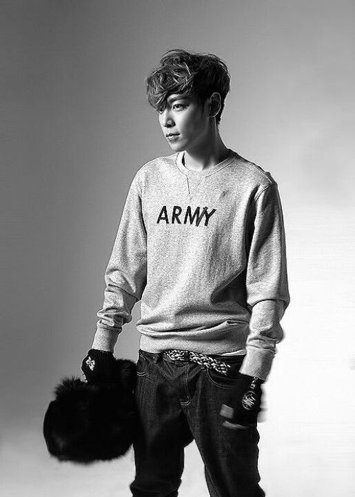 T.O.P of BIGBANG what is TOP's thing with US military clothes?