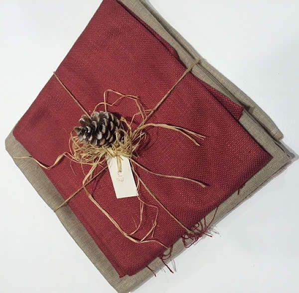 More Festive Fabrics for the Xmas table http://www.pretavivre.com/news/festive-fabrics