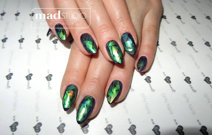 Manicure hybrydowy i matowy Glass effect SPN Nails UV laq Augergine 557