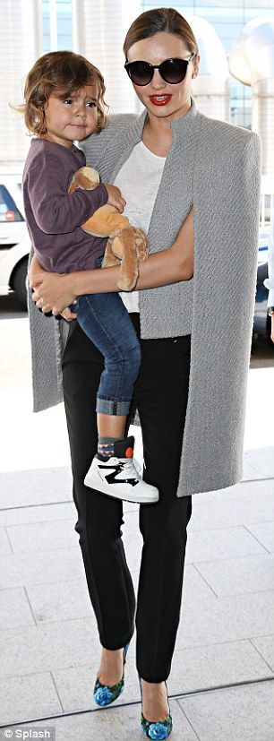 If you can take your eyes off the most adorable little boy I love #MirandaKerr look here ##AmazingCape