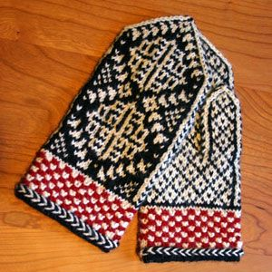 Ladies' Chrysanthemum Mittens, a free knitting pattern with Norwegian and Fair Isle influences