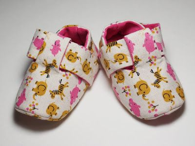 Baby shoe pattern Pink Wild Animal Emme by iampetiteboutique