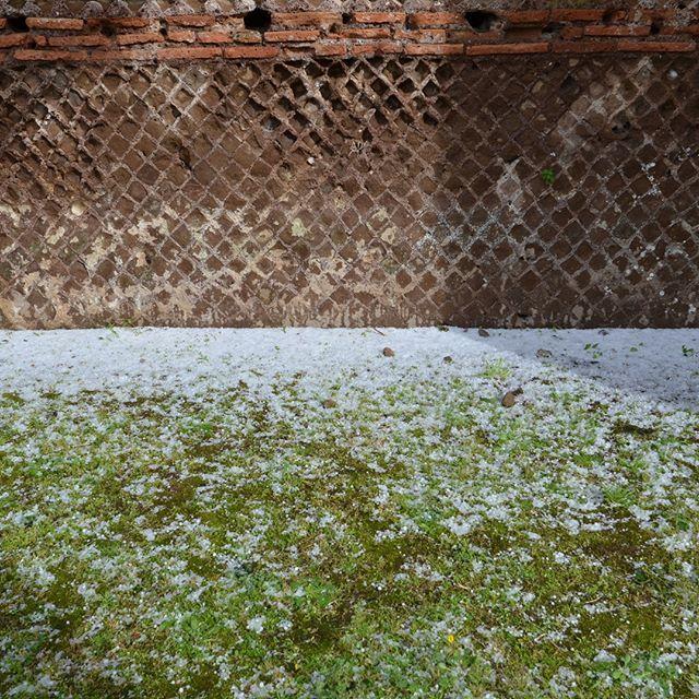 #abstract#brick#italy#garden#aureliegueniffey