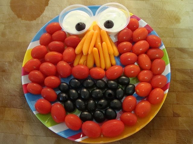 Here's the Elmo veggie tray I made for my 3-year-old's preschool class party.